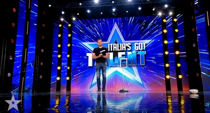 Marco Miele auf der Bühne von Italia's Got Talent