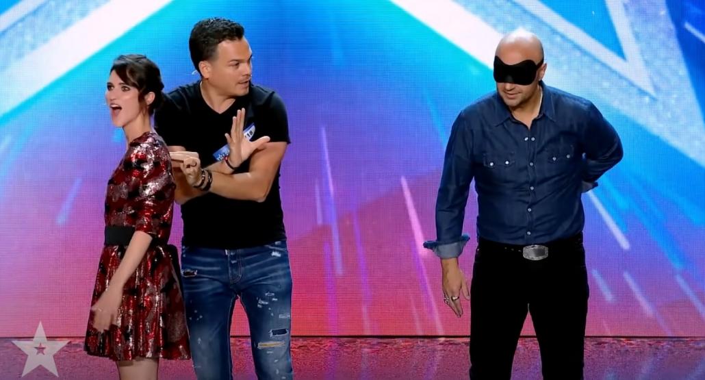 Marco Miele ipnotizza il membro della giuria Joe Bastianich