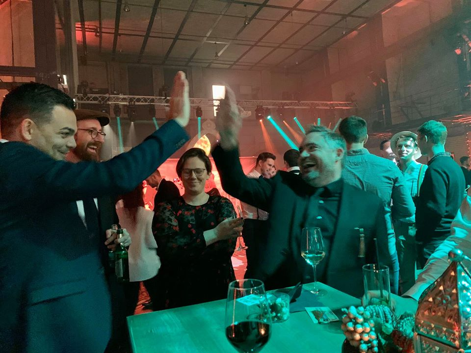 Marco Miele surprises the company team with table magic in Munich