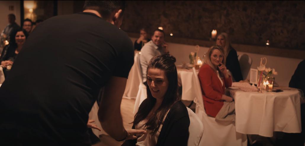 Magisches Abendessen in einem Restaurant in München mit dem Zauberer Marco Miele