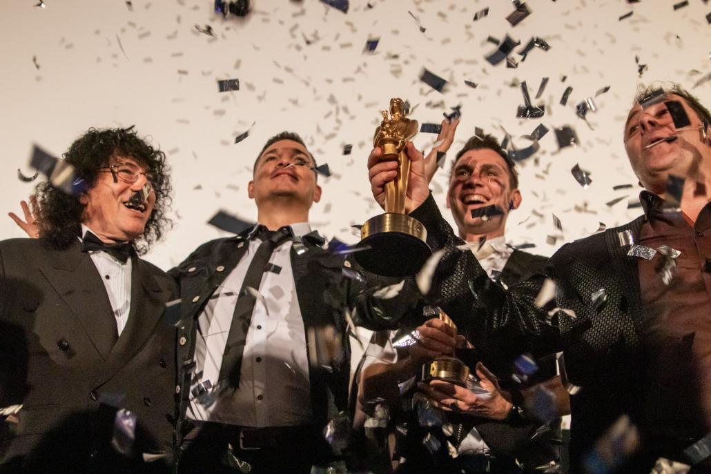 Marco Mielel vincitore del Merlin Award, il più ambito premio del mondo della magia