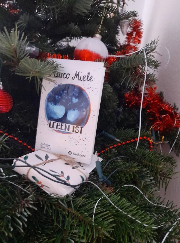 Als einzigartiges Weihnachtsgeschenk, schenken Sie den Menschen, die Sie lieben, ein Buch voller spannender Emotionen. Das neue Buch von Marco Miele ist magisch.