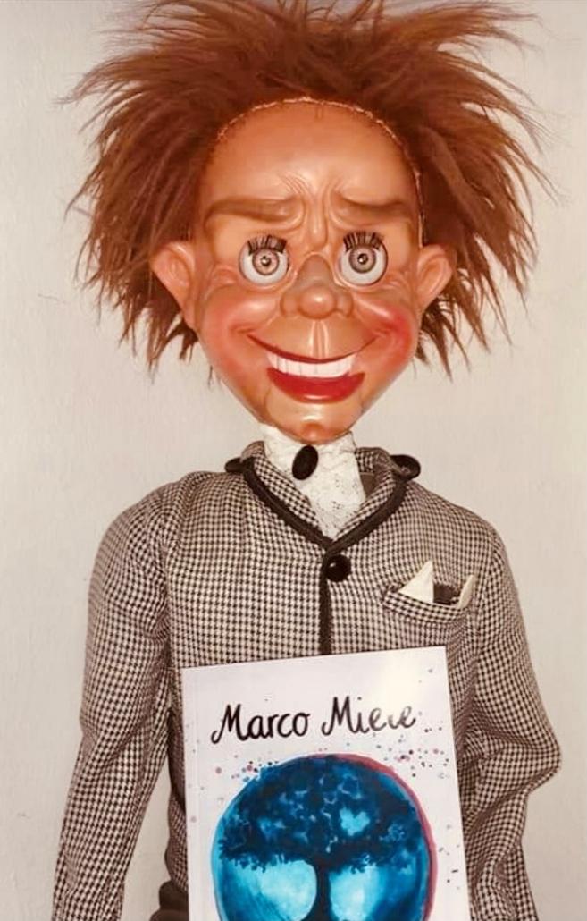 Jeder kann das fantastische neue Buch des Stuttgarter Zauberers, Illusionisten und Hypnotiseurs Marco Miele genießen.
